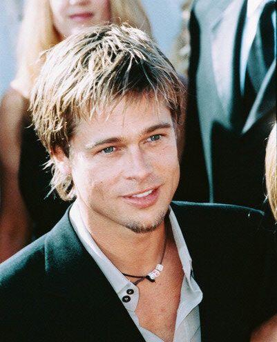Çekingen ünlülerin başında ünlü aktör Brad Pitt geliyor. Özel yaşamında da girişkenliğiyle tanınan Pitt, aslında hoşlandığı kadına ilgisini belli edemeyecek kadar içine kapanık.